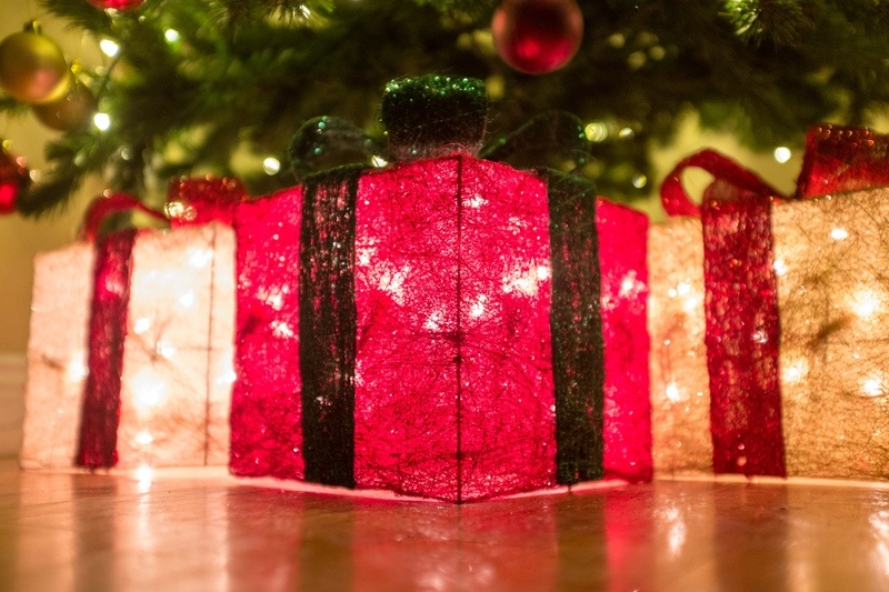 Christmas Glowing Parcel