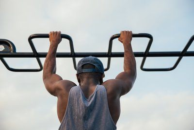 Fit Homme Pull Ups