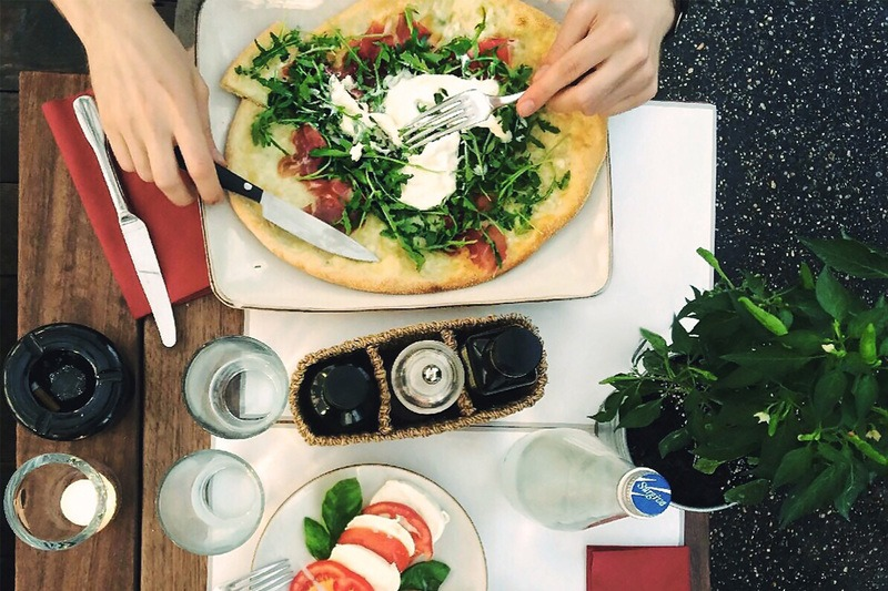 Pizza in Cafe