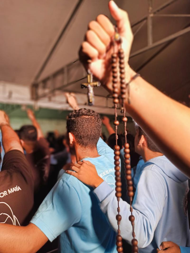 Push the gun of God! Push the Holy Rosary
