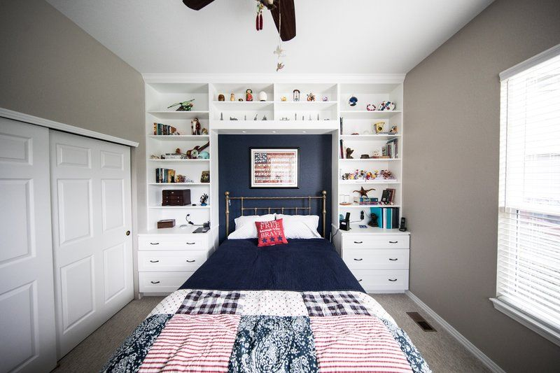 Small Bedroom With Shelving